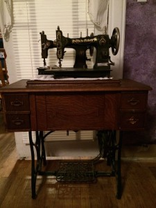 White Family Rotary sewing machines 1916 & 1929 ~ from Me & My House